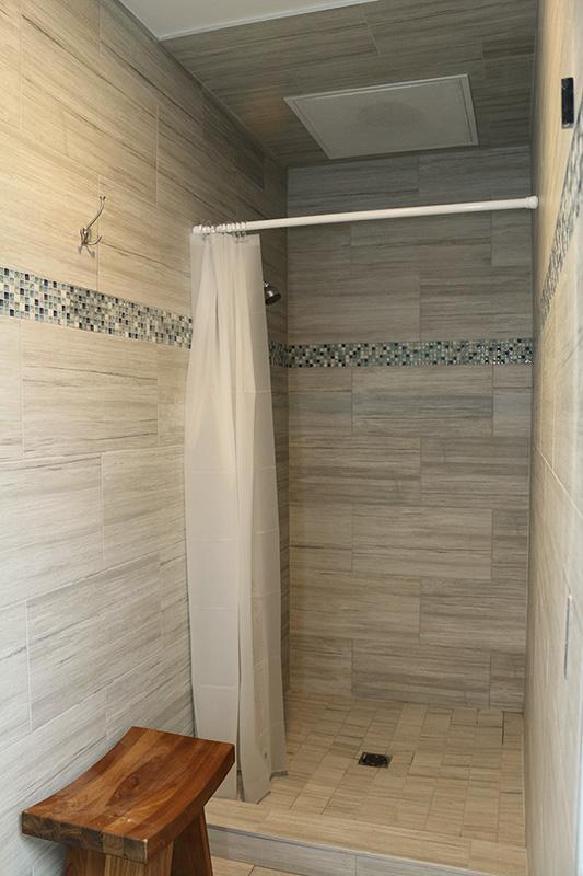 Marina Facilities: Men's Shower Stall