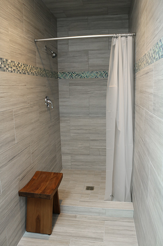 Marina Facilities: Women's Shower Stall